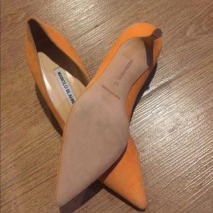 NEW Manolo Blahnik Orange Suede Kitten Heels